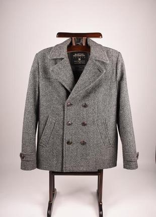 Красивое  мужское пальто классического кроя