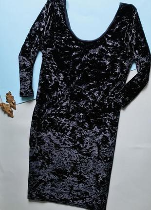 Стильное чёрное бархатное мини-платье evie