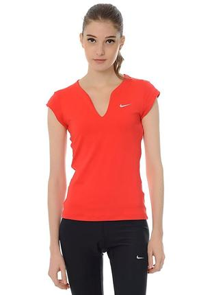 Женская спортивная футболка nike dri-fit