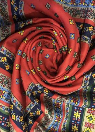 Роскошный платок бренда yves saint laurent