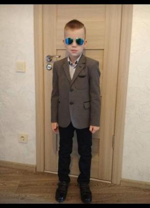 Пиджак для мальчика 122-128