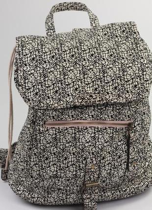 Фирменный рюкзак