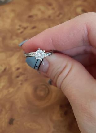 Серебряное кольцо с камнем (обручальное)