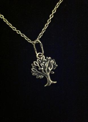 Серебряная цепочка с оригинальным кулоном - дерево