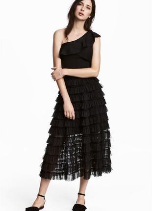 Роскошная черная юбка из мембраны с воланами