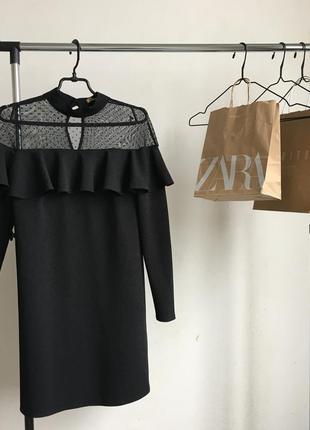 Стильное платье вечернее с декольте в стиле zara
