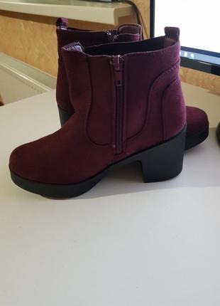 Фирменные ботинки сапожки mustang испания оригинал на толстом каблуке5 фото