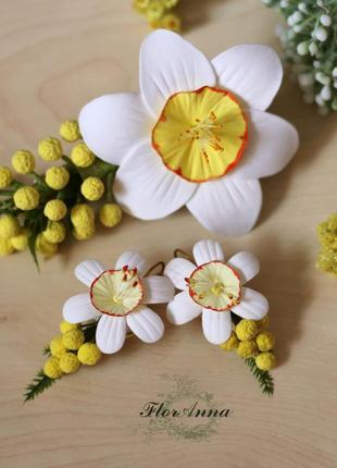"""Серьги и заколка с цветами из полимерной глины """"нарциссы с мимозой"""""""