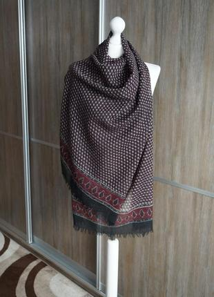 Laura biagiotti шарф-палантин. 100% шерсть. индия.