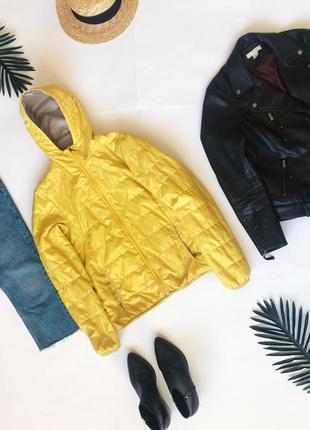 Желтая стёганная ветровка куртка демисезон без утеплителя uniqlo. р-р xs