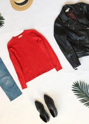 Стильный  свитер красный в косы от papaya. размер м