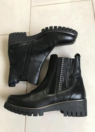 Ботинки кожаные демисезонные дорогой бренд германии carolina размер 41