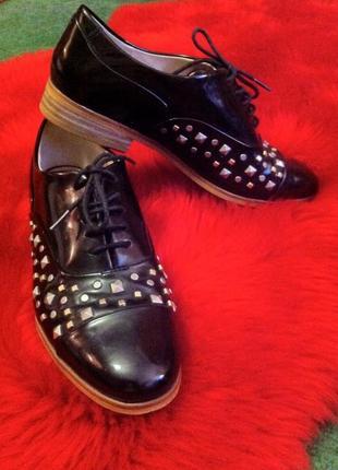 Кожаные туфли-оксфорды со шнурками.туфельки.мокасины.