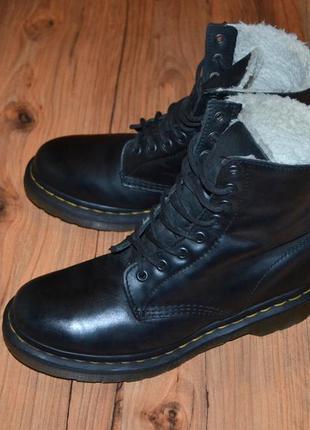 Продам ботинки dr. martens, оригинал  - 39 размер кожа, мех