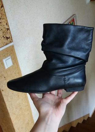 Р.37-37.5 clarks (оригинал) кожаные сапожки, ботинки.