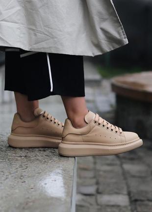 Alexander mcqueen beige шикарные женские кроссовки александр маквин