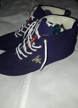 Prada шикарные ботиночки,оригинал