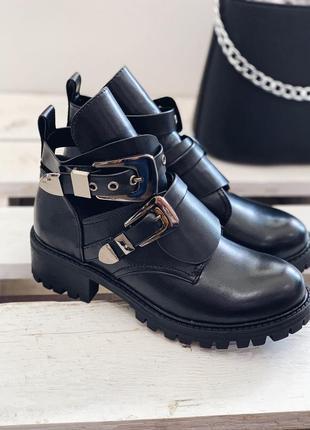 Стильные весенние ботинки по скидке последние размеры