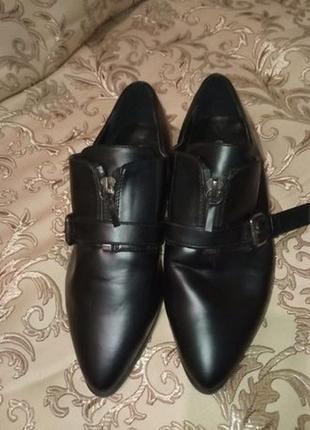 Осенние черные туфли ботинки 36 размер новые