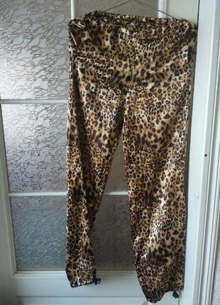 Трендовые яркие леопардовые летние штаны