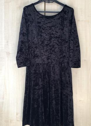 Красивое платье популярного немецкого бренда yessica