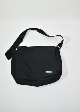 Черная мужская текстильная  сумка-мессенджер через плечо unted colors of benetton код 214