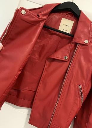 Куртка косуха pull&bear красная кожанка кожаная курточка ветровка