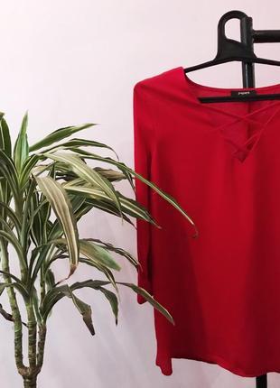 Нереальная блуза алого цвета