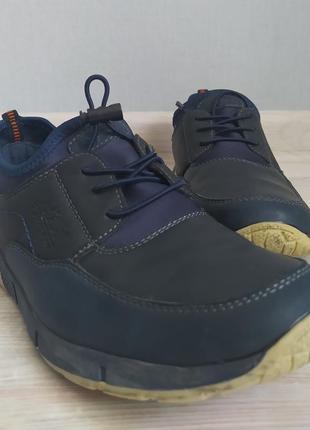 Спортивные кроссовки р35