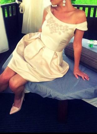 Платье новое красивое нарядное колокольчик