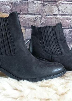 Ботинки полностью натуральная кожа. производитель португалия