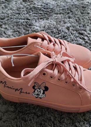 Новые кроссовки minnie