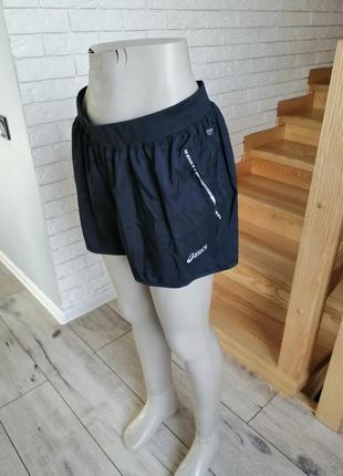 Сучасні спортивні шорти asics