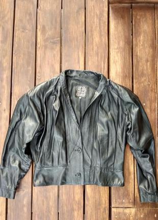 Натуральная кожаная куртка vera pelle.