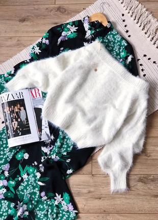Неймовірний светр з оголеними плечима ❤️