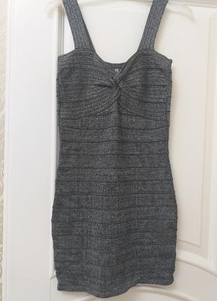 Платье люриксовой нитью с- м