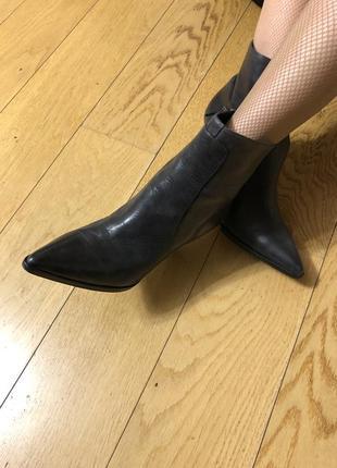 Темно-серые кожаные ботинки, 39 размер