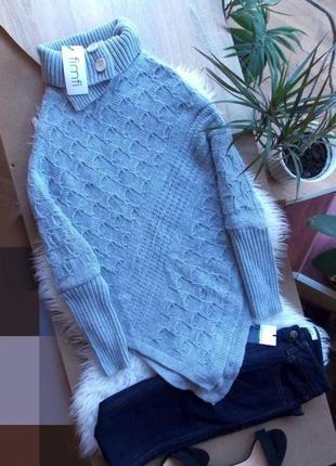 Стильный свитер-пончо.