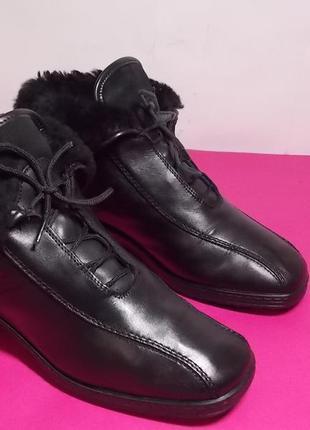 Женские  кожаные  ботинки  medicus