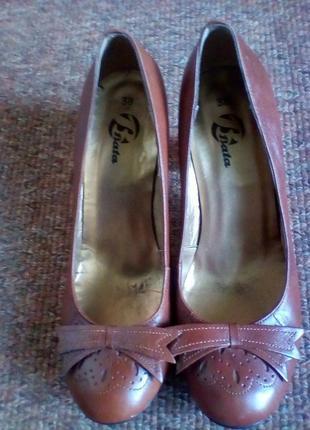 Кожаные туфли известного итальянского бренда vero cuoio,bata.