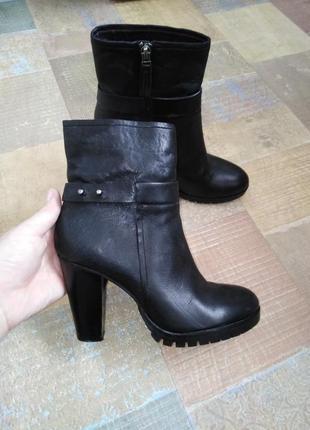 Красивенные ботинки bruno premi 37 р-р кожа