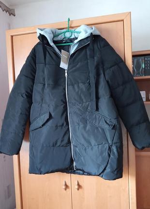 Симпатична куртка демісезонна 50-52