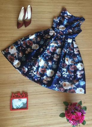Очень красивое платье, размер м