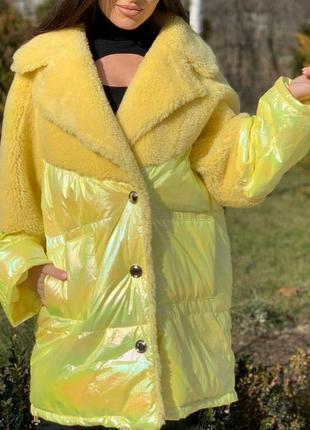 Яркое неоновое пальто овчина