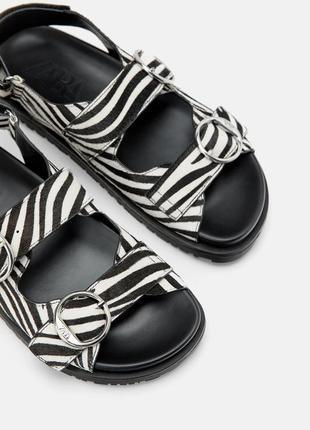 Трендовые сандалии из натуральной кожи zara
