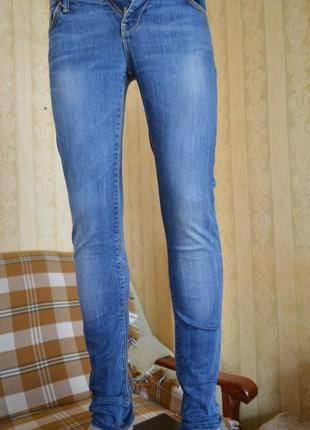 """Стрейчевые джинсы фирмы """"colin,s"""",р.44-46"""