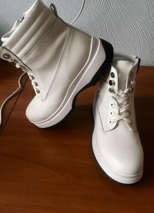 Зимние белые ботинки кожаные 38р 24,5см женские (зима кожа сапоги)
