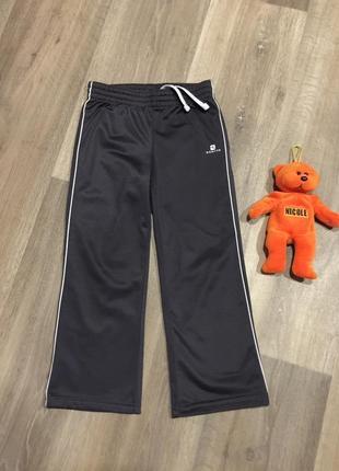 Спортивые штаны domyos на 4-5 лет