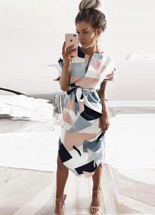 Огромный выбор красивых и стильных платьев.