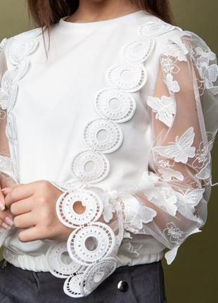 Очень красивая и стильная блузка с 3d рукавом